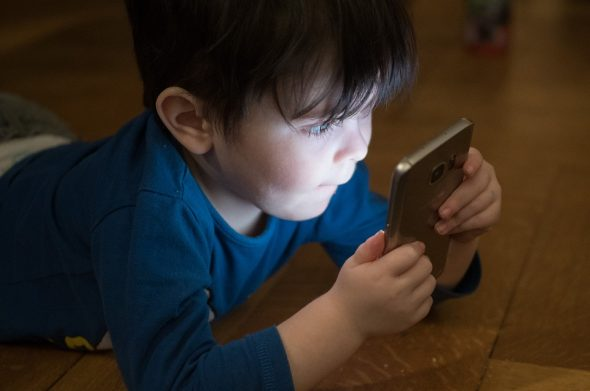 3 Tips For Creating A Healthy Relationship Between Your Kids And Their Screens